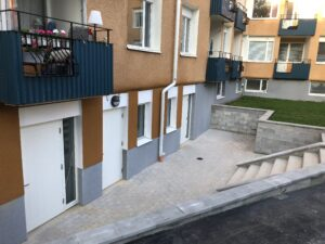 uteplats tre nya lägenheter
